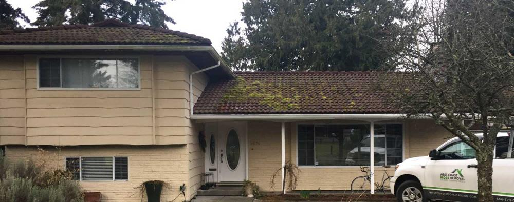 vancouver-roof-cleaning-before.jpg