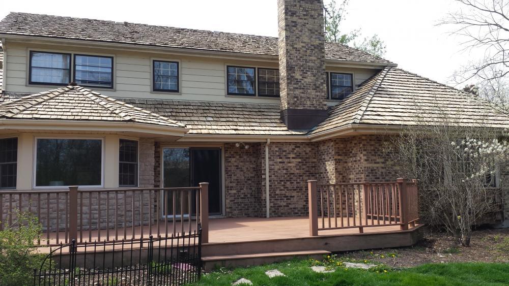 Cedar-Shake-Roof-Cedar-Siding-After-Roof-Cleaning-Lake-Forest-Lake-Bluff-Lake-County.thumb.jpg.dc095e2f69c8411c87520684083d6850.jpg