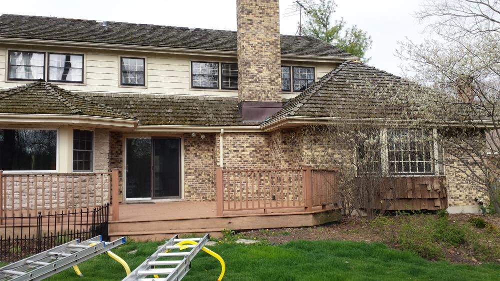 Cedar-Shake-Roof-Cedar-Siding-Before-Roof-Cleaning-Lake-Forest-Lake-Bluff-Lake-County.thumb.jpg.8ed4966408823765ceee0fb8317c8608.jpg